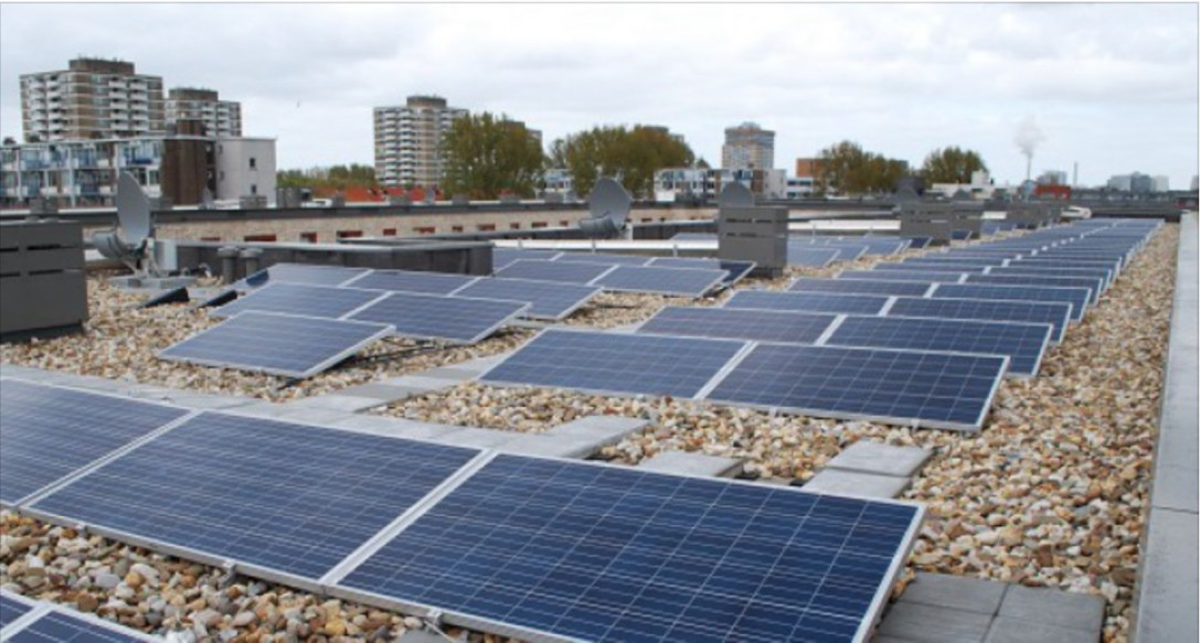 Solar panels from now on obligatory for French company rooftops